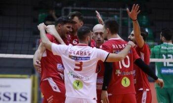Τη νίκη με 3-0 σετ κόντρα στον Παναθηναϊκό πανηγύρισε ο Φοίνικας Σύρου στο κλειστό του Αγίου Θωμά για την τελευταία αγωνιστική της Volley League.