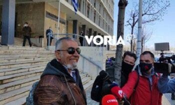 Θεσσαλονίκη - Ποινική δίωξη στον πατέρα μαθητή που αρνήθηκε να κάνει self test: «Η Παναγιά μαζί μας» (vid)
