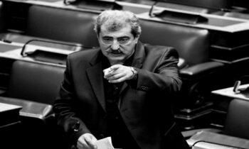 Ο Παύλος Πολάκης στέλνει ξεκάθαρο μήνυμα στον Κυριάκο Μητσοτάκη με αφορμή τις σοβαρές καταγγελίες του δημοσιογράφου και εκδότη του Documento, Κώστα Βαξεβάνη.