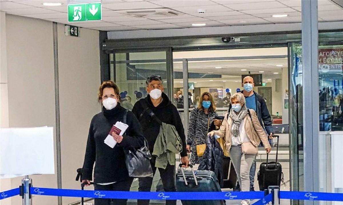 Ρόδος: Κατέφτασαν οι 189 Ολλανδοί για το πείραμα του τουρισμού