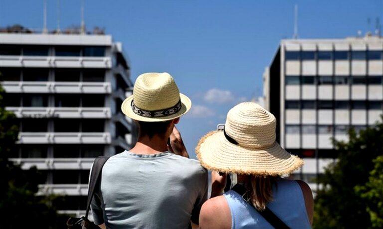 Lockdown: Στον… γκρεμό ο ελληνικός τουρισμός – Γλιτώνουν μόνο τα 5άστερα ξενοδοχεία