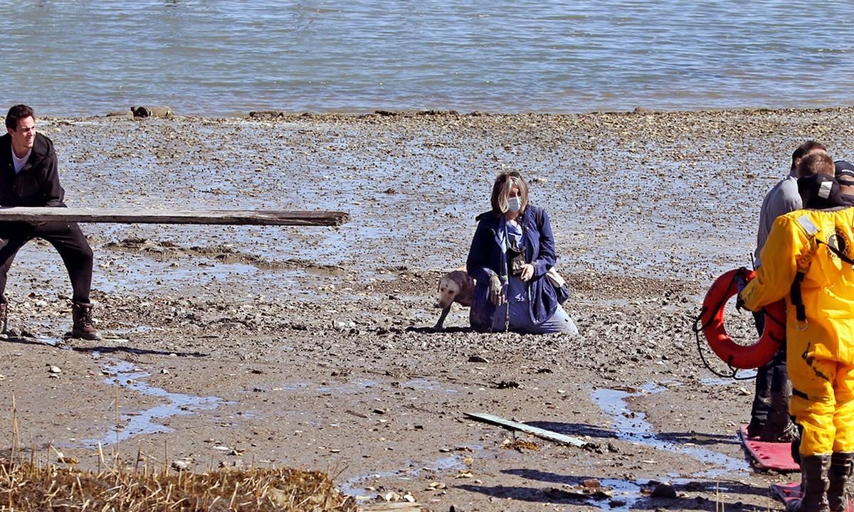 ΗΠΑ: Νοσοκόμα εγκλωβίστηκε στη λάσπη – Σώθηκε παρά τρίχα