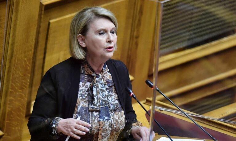 Η υφυπουργός Μετανάστευσης κι Ασύλου Σοφία Βούλτεψη με αφοπλιστική ειλικρίνεια αναφέρθηκε στους τουρίστες, κάνοντας σαφή τον τρόπο