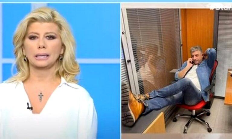 Η Ζήνα Κουτσελίνη αποχαιρέτησε τον Γιώργο Καραϊβάζ μέσα από την εκπομπή της στο Star, όπου ο αδικοχαμένος δημοσιογράφος εργαζόταν και εμφανιζόταν καθημερινά.