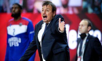 Απίστευτο κι όμως αληθινό: Οι Τούρκοι κατάφεραν να δουν τον τελικό της Euroleague και το θρίαμβο της Εφές χάρη στον Εργκίν Αταμάν που επικοινώνησε με τον υπουργό Αθλητισμού της χώρας!