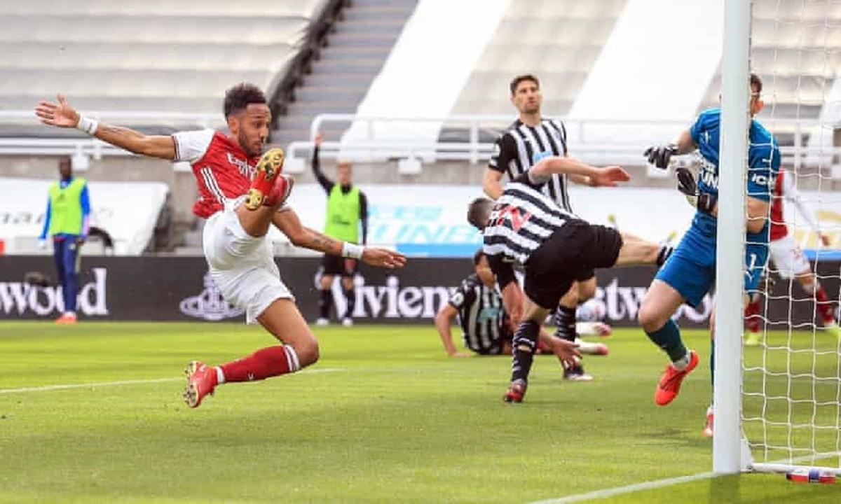 Νιούκαστλ – Άρσεναλ 0-2: Εύκολα οι Λονδρέζοι