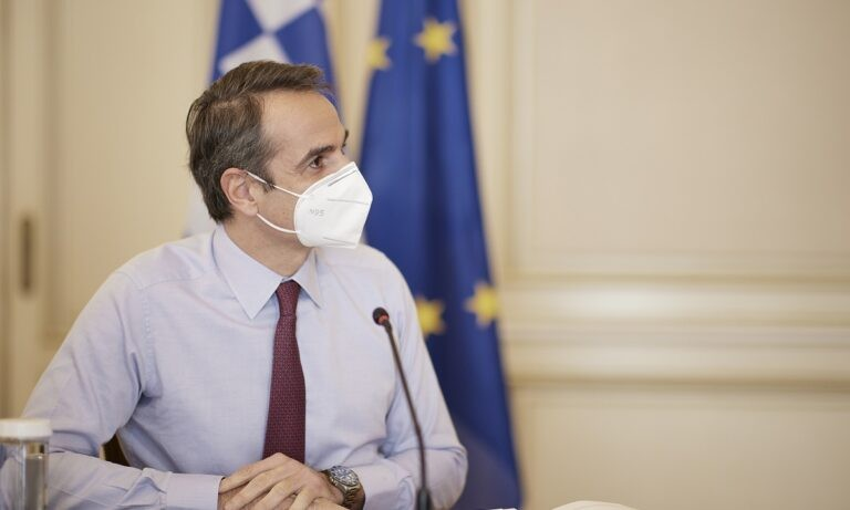 Μητσοτάκης: Εξόρμηση στην Τήνο για τον πρωθυπουργό