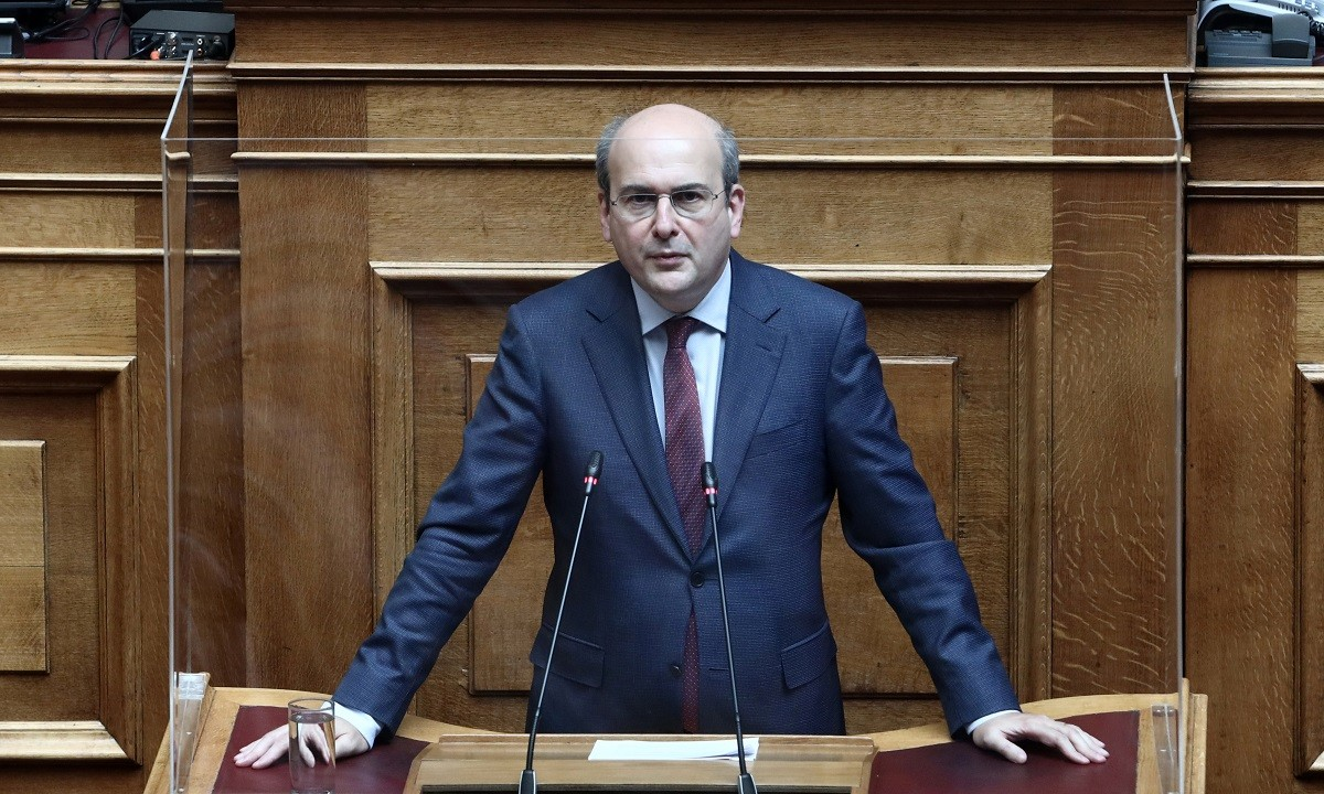 Χατζηδάκης: «Νέα δικαιώματα, νέες δουλειές, ευρωπαϊκά πρότυπα»