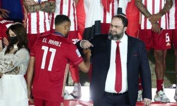 Ο Βαγγέλης Μαρινάκης επισκέφθηκε τους παίκτες στο Ρέντη και τους ζήτησε να βάλουν τα δυνατά τους για το Κύπελλο, που είναι σημαντικό για όλους.