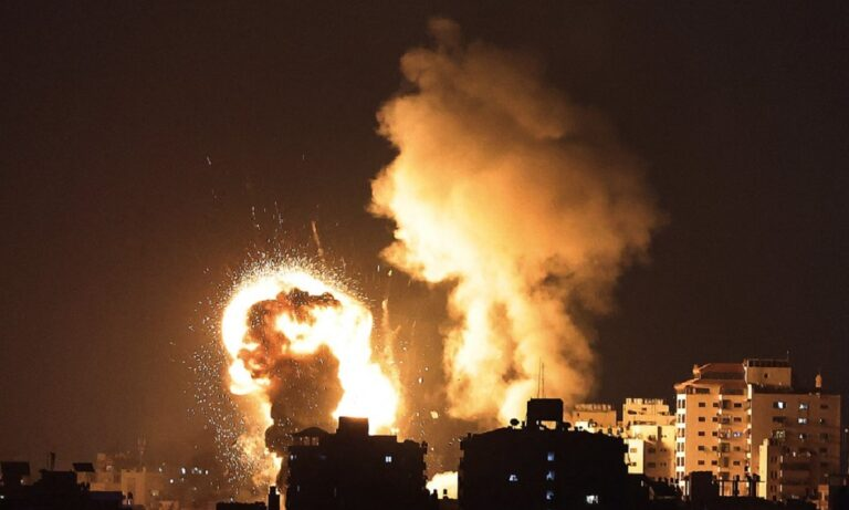 Παλαιστίνη – Χάος στη Λωρίδα της Γάζας: Είκοσι νεκροί και πάνω από 65 τραυματίες μετά από βομβαρδισμούς (vids)