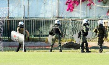 Πανιώνιος - Ηλιούπολη: Σύμφωνα με το Open, στα επεισόδια που έγιναν στο ματς της Γ' Εθνικής συμμετείχε άτομο που κατείχε όπλο και το οποίο συνελήφθη.