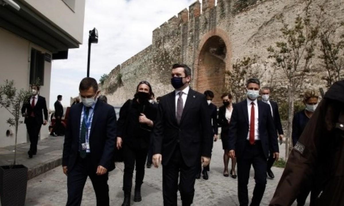 Ελληνοτουρκικά: Ξέφραγο αμπέλι η χώρα. O Τούρκος ΥΦΥΠΕΞ έκανε ανενόχλητος… επιθεώρηση στην «επαρχία» της Βόρειας Ελλάδας…