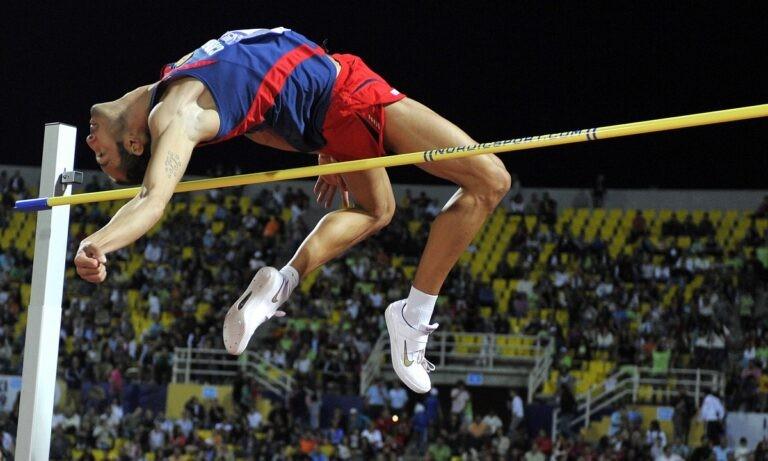 Ο παλιός πρωταθλητής του ύψους Αλεσάντρο Ταλότι έχασε δυστυχώς τη «μάχη» με την επάρατη νόσο και «έφυγε» από τη ζωή σε ηλικία 40 ετών
