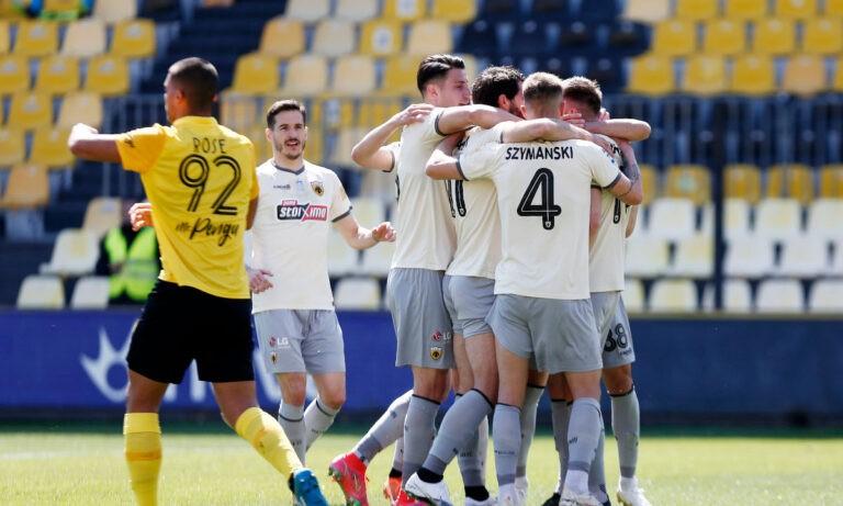 Η ΑΕΚ πλέον έχει προπονητή, αυτόν που η ίδια επέλεξε. Μετά τους Λουτσέσκου-Ρεμπρόφ που για διαφορετικούς λόγους δεν ήρθαν στην ΑΕΚ, το κλαμπ έσπευσε να κλείσει τον Βλάνταν Μιλόγεβιτς.