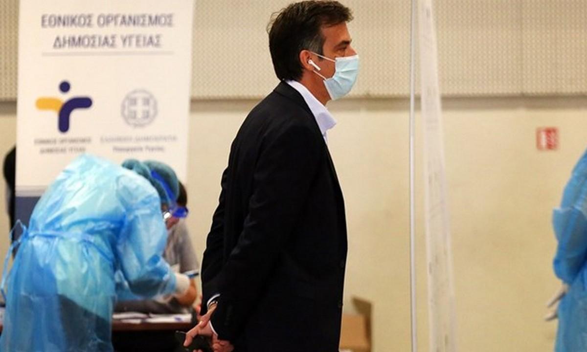 Αρκουμανέας: «Toν Ιούνιο θα εμβολιαστούν και οι άνω των 18»
