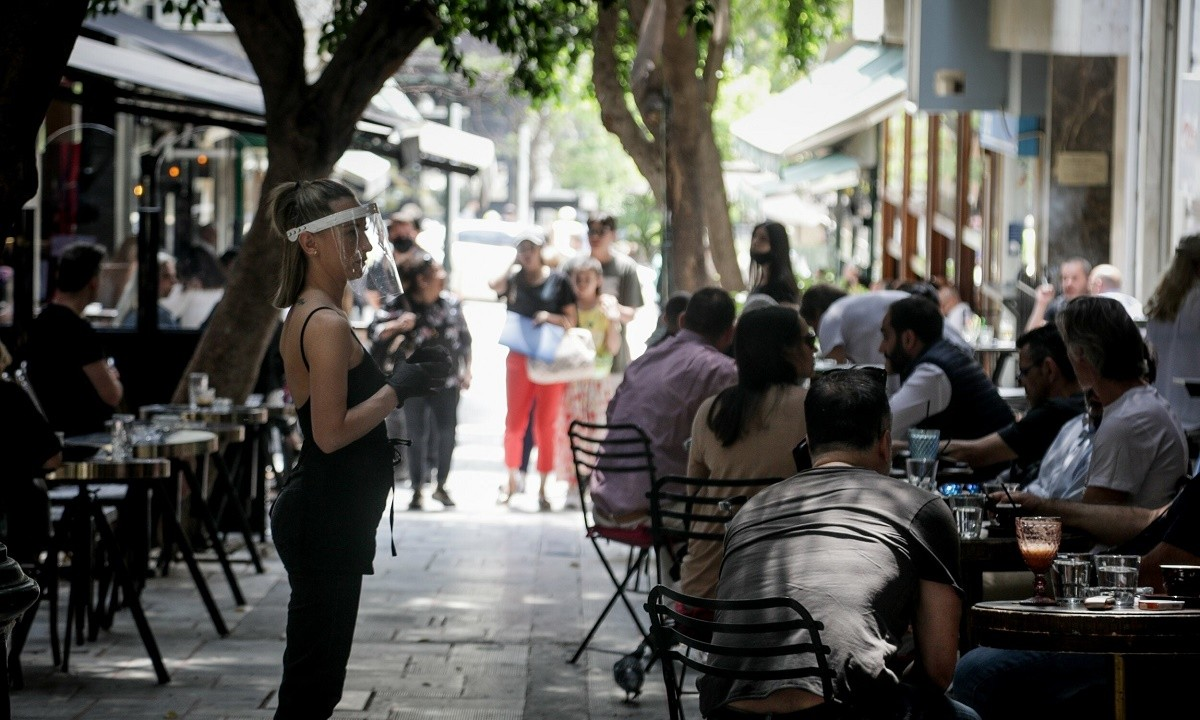 Lockdown: Οι Έλληνες αποχαιρετούν το 13033 όπως του… αρμόζει στο Τwitter