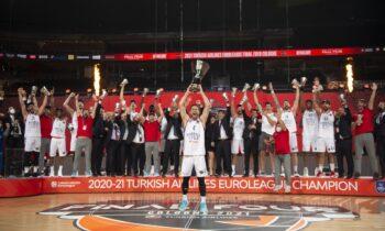 Ο Εργκίν Αταμάν οδήγησε την Εφές στο πρώτο τρόπαιο Euroleague στην ιστορία της και ο ίδιος έγραψε ένα αξιοζήλευτο ρεκόρ!