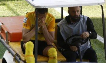 Διπλή ατυχία κλήθηκε να αντιμετωπίσει ο Άρης στο ντέρμπι με τον Ολυμπιακό καθώς είδε τους Δεληζήση-Τζέγκο να αποχωρούν με τραυματισμό.