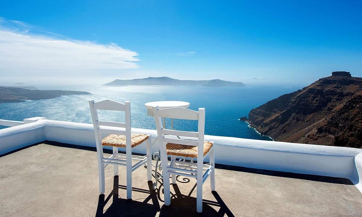 Βρετανία: Αφήνει εκτός «πράσινης λίστας» τα ελληνικά νησιά ο Μπόρις Τζόνσον