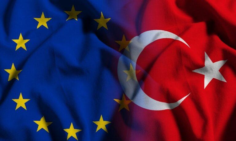 Ελληνοτουρκικά: Τα τελευταία χρόνια, η κυβέρνηση της Τουρκίας αποστασιοποιείται όλο και περισσότερο από τις αξίες και τα πρότυπα της Ε.Ε.