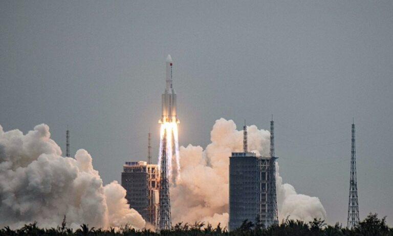 Κινεζικός πύραυλος: Κίνδυνος για όλη τη Γη! Κανείς δεν ξέρει πού θα πέσει