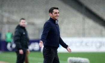 Ο Μανόλο Χιμένεθ ήταν ευχαριστημένος μετά το 0-1 της ΑΕΚ μέσα στην Λεωφόρο κόντρα στον Παναθηναϊκό για τα πλέι οφ της Super League.