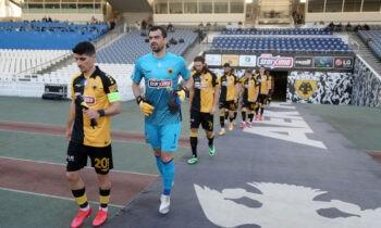 Η ΑΕΚ κέρδισε χθες μέσα στην Λεωφόρο τον Παναθηναϊκό με 0-1 χάρη στο γκολ του Πέτρου Μάνταλου και πέτυχε τον βασικό στόχο της στα πλέι οφ.