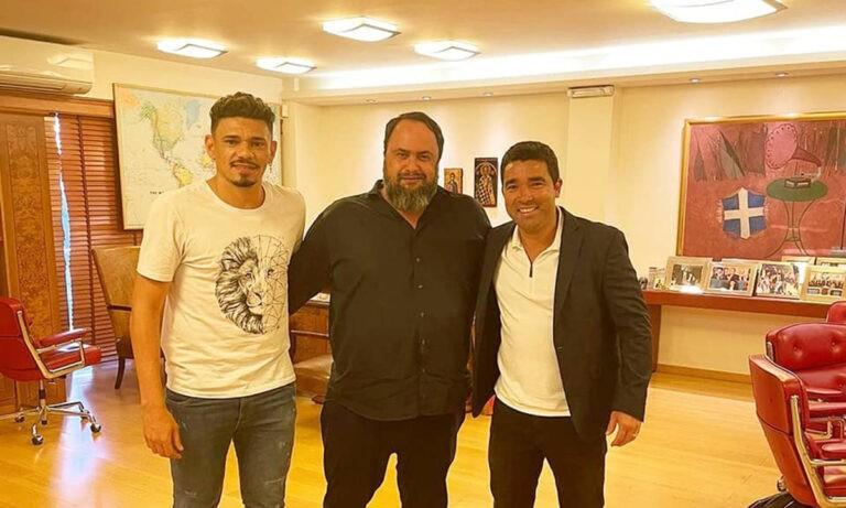 Ολυμπιακός: Ο Βαγγέλης Μαρινάκης μαζί με Ντέκο και Τικίνιο