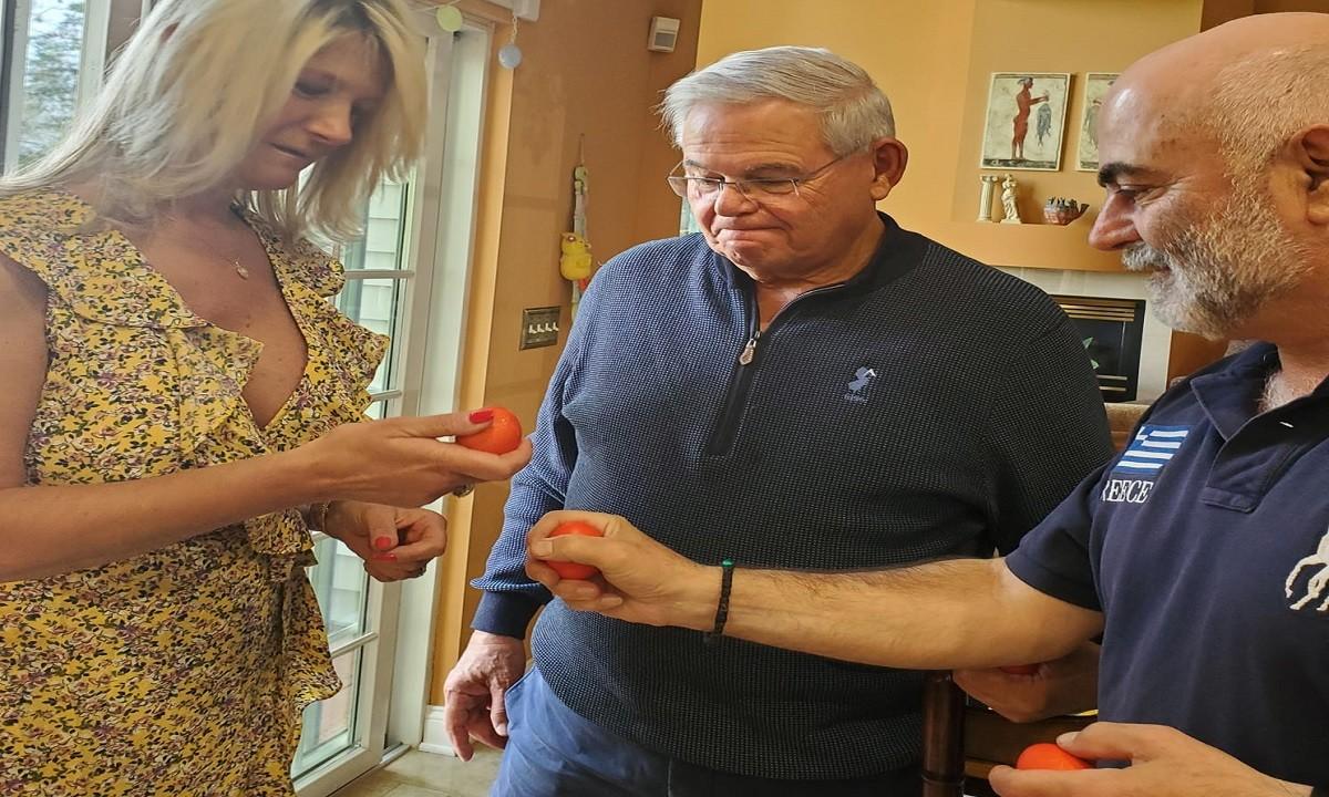 Eλληνοτουρκικά: Ο Γερουσιαστής Μενέντεζ είναι φίλος της  Ελλάδας και το δείχνει – Γιορτάζει το Ορθόδοξο Πάσχα!