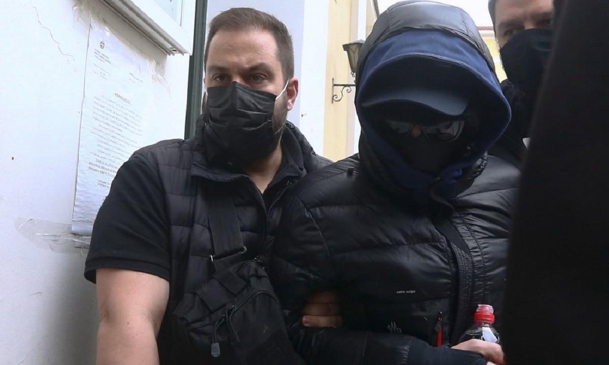 Μένιος Φουρθιώτης: Προφυλακιστέος με σύμφωνη γνώμη ανακριτή και εισαγγελέα – Στη φυλακή και δύο συγκατηγορούμενοί του