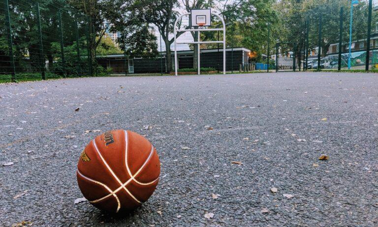 Το μπάσκετ το ρομαντικό, το αγαπησιάρικο που λατρέψαμε υπάρχει ακόμα