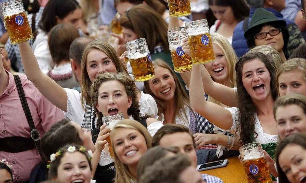 Oktoberfest: Ακυρώθηκε και φέτος λόγω του κορονοϊού – Τεράστια η ζημιά