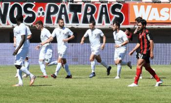 Super League 2: O Καραϊσκάκης θα ακολουθήσει, αγωνιστικά τουλάχιστον, τον ΟΦ Ιεράπετρας στη Football League. Οι Αρτινοί έχασαν 3-0 από τους υποβιβασμένους Κρητικούς και πλέον εναποθέτουν τις ελπίδες τους στην αναδιάρθρωση. Η Δόξα Δράμας κέρδισε μέσα στην Πάτρα την Παναχαϊκή (2-1) και τα Τρίκαλα τον Απόλλωνα Λάρισας (3-1).
