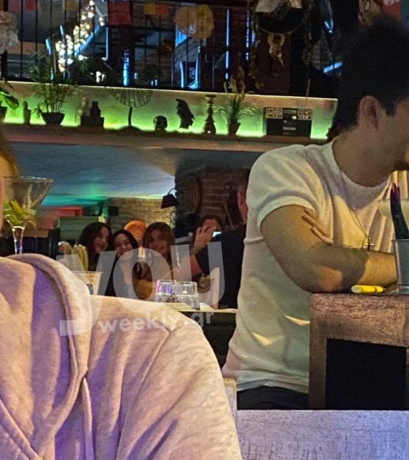Κοινή έξοδο για φαγητό είχαν το βράδυ της Δευτέρας (17/5) οι δύο πρώην παίκτες του Survivor, Αλέξης Παππάς και Ελευθερίου.