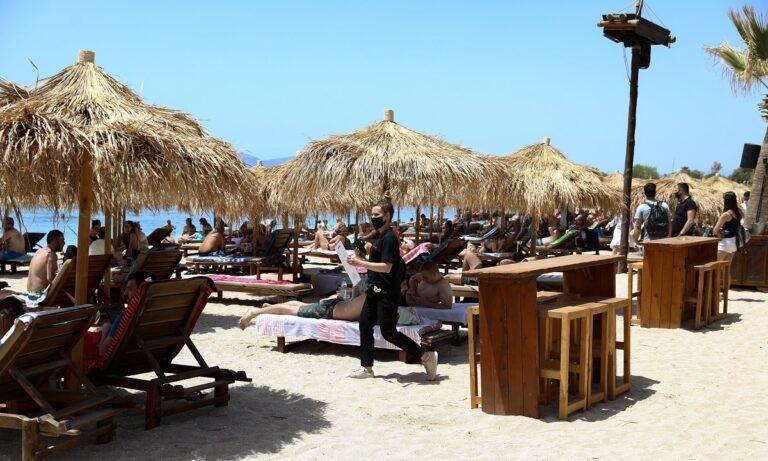 Άρση lockdown: «Βούλιαξαν» οι παραλίες σε Αθήνα και Θεσσαλονίκη