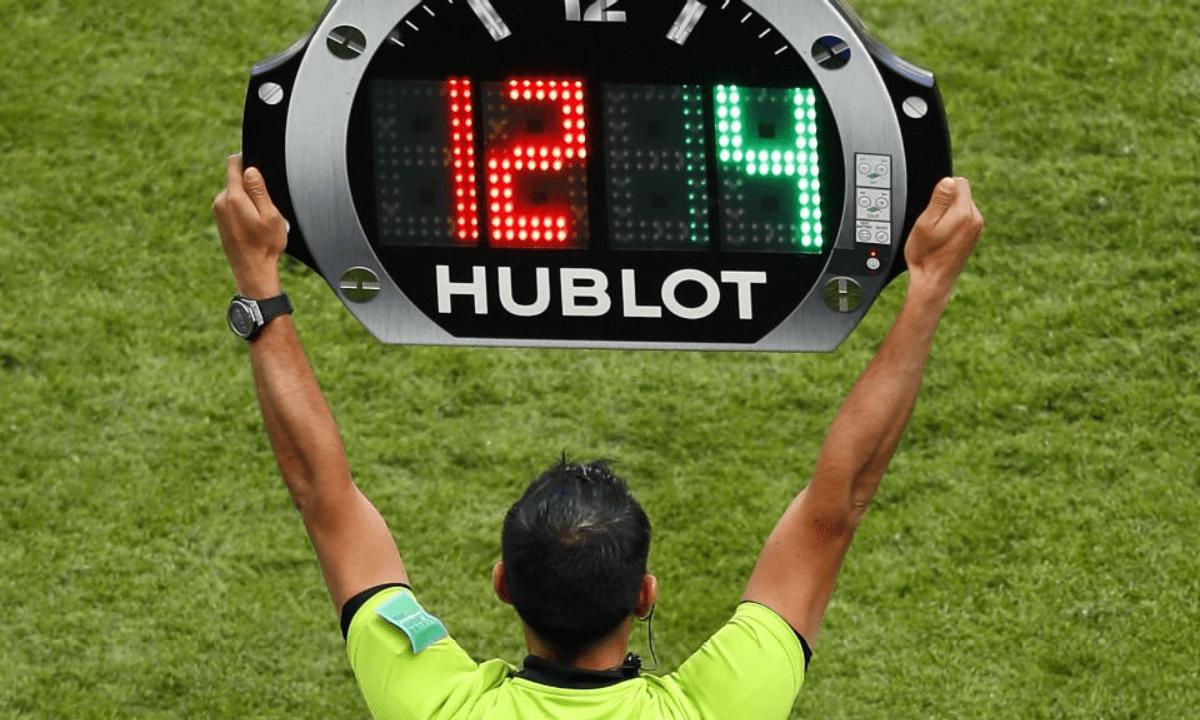 Super League 2: Ποδοσφαιριστής μπήκε μόνος του στο ματς!