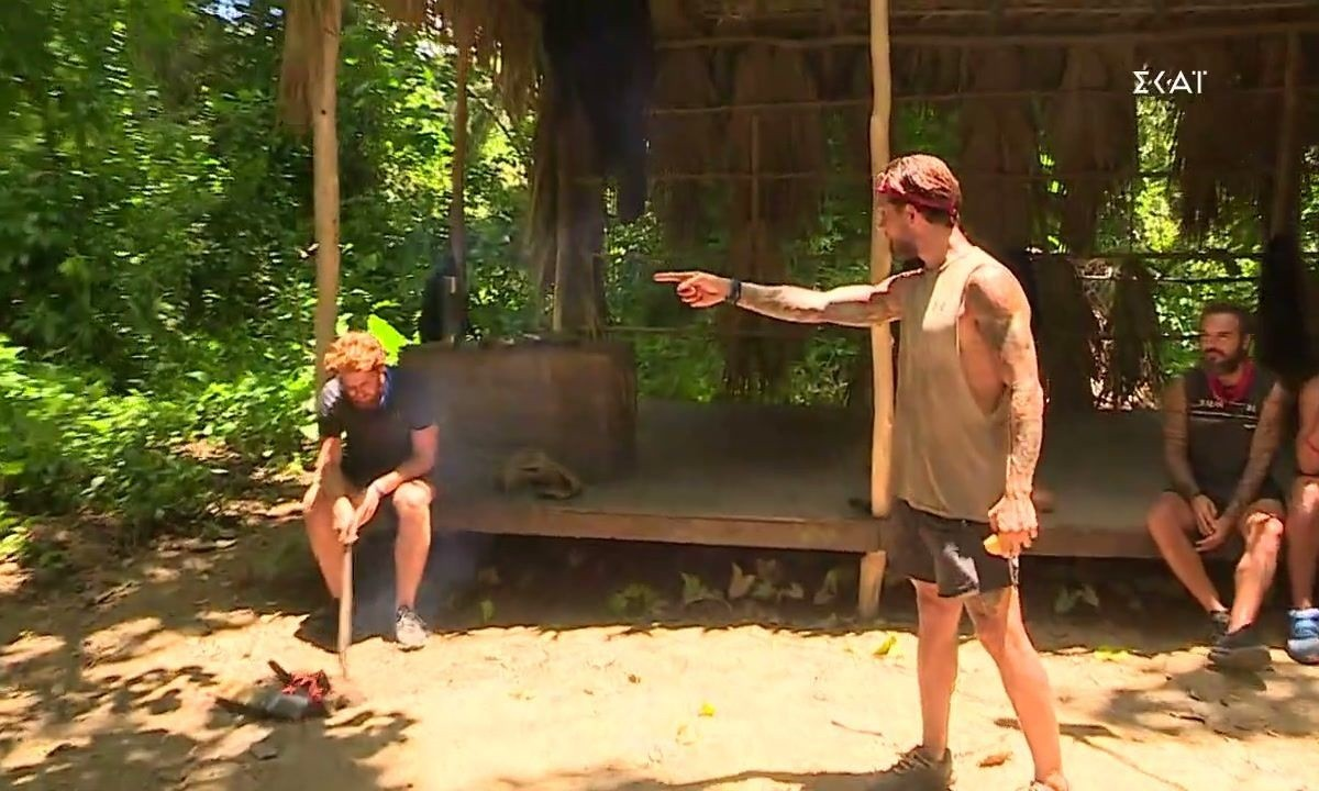 Survivor 4: Χοντρό επεισόδιο με Τζέιμς και Μπόγδανο! Ο Τριαντάφυλλος έβαλε λάδι στη φωτιά!