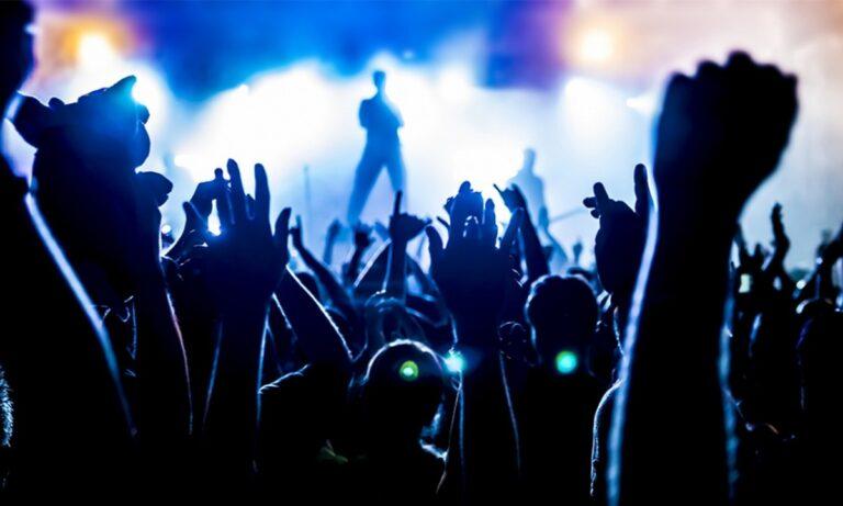 Ξεκινούν από σήμερα συναυλίες και θέατρα με αυστηρά μέτρα