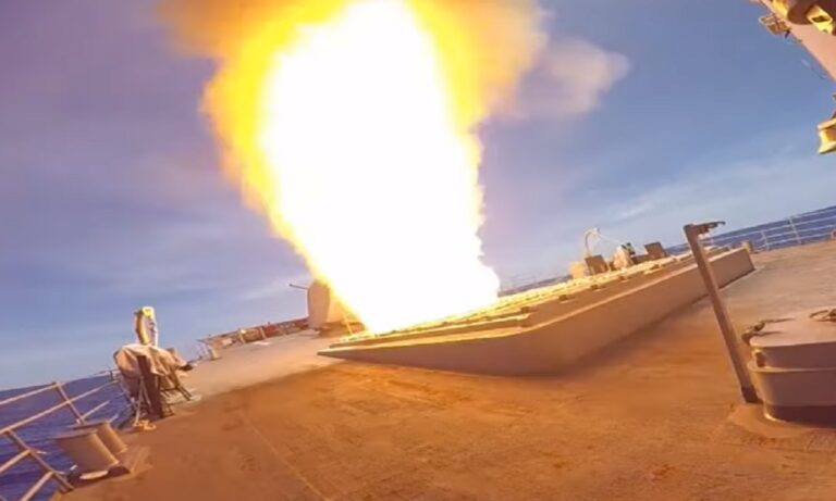Φρεγάτες: To Ticonderoga των ΗΠΑ με τα 122 κελιά πυραύλων τα αλλάζει όλα – 32 κελιά έχει η Belharra
