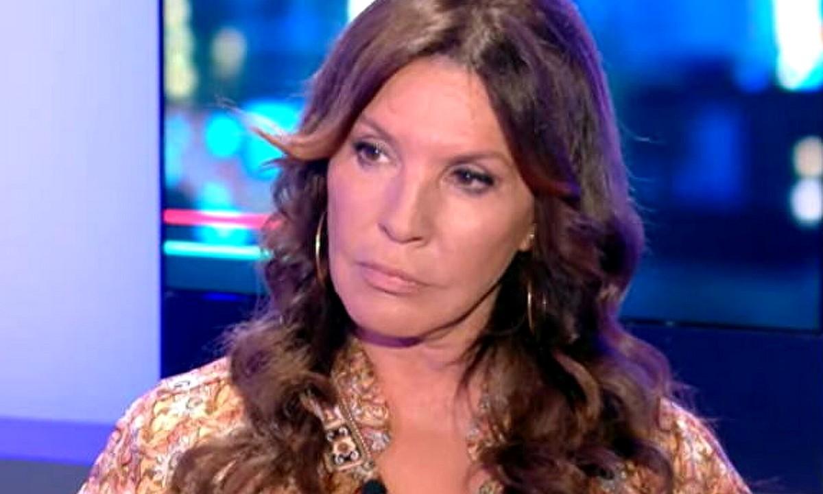 Η Βάνα Μπάρμπα φιλοξενήθηκε στο TikTalk το βράδυ της Πέμπτης στον Alpha. Η γνωστή ηθοποιός υποστήριξε ξανά τον Πέτρο Φιλιππίδη
