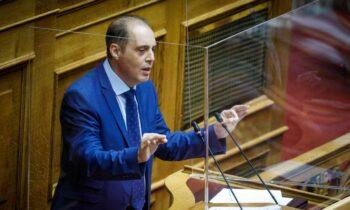 Ο πρόεδρος της Ελληνικής Λύσης Κυριάκος Βελόπουλος μίλησε στην Ολομέλεια της Βουλής για οπλοκατοχή, θανατική ποινή, ισόβια, τέιζερ
