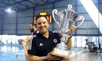 Ο Ολυμπιακός σήκωσε το 9ο συνεχόμενο πρωτάθλημα, και 34ο συνολικά και ο Θοδωρής Βλάχος χαρακτήρισε τον τίτλο αυτόν ως τον πιο γλυκό.