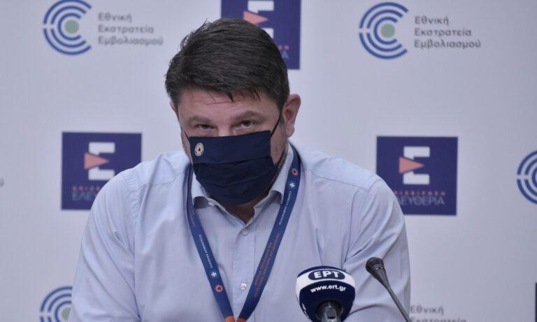 Χαρδαλιάς: Με μάσκα κάποιες ασκήσεις στα γυμναστήρια – Ανοίγουν τα γήπεδα 5×5 και μπάσκετ
