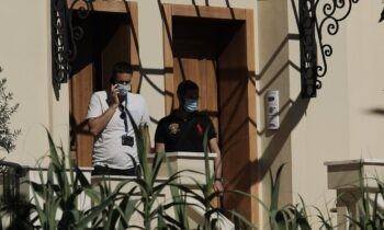 Έγκλημα Γλυκά Νερά: Περίπου 2,5 ώρες κατέθετε σήμερα στη ΓΑΔΑ (Τρίτη 8/6) η Ελένη Μυλωνοπούλου που εμφανιζόταν ως η «ψυχολόγος» της Καρολάιν.