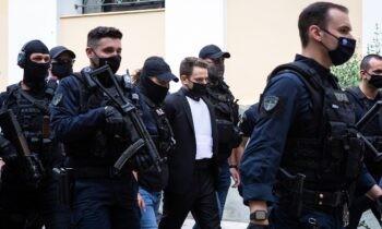 Έγκλημα στα Γλυκά Νερά: Η αγκαλιά στη μητέρα της Καρολάιν κατά το μνημόσυνο έγινε επειδή είχε μετανιώσει, ισχυρίστηκε ο Μπάμπης Αναγνωστόπουλος.