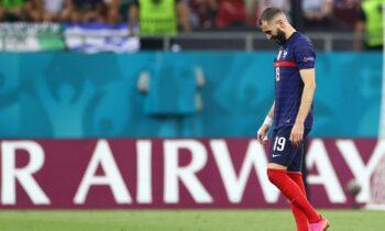 Ο αποκλεισμός της Γαλλίας από το Euro 2020 είναι η τιμωρία της ύβρεως. Κρίμα που παίρνει η μπάλα και αυτόν τον Καρίμ Μπενζεμά...