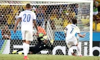 Σαν Σήμερα η Εθνική Ελλάδας κέρδισε με 2-1 την Ακτή Ελεφαντοστού και πέρασε στους «16» του Μουντιάλ του 2014.