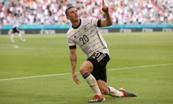 Ο Ρόμπιν Γκόσενς έκανε εκπληκτικό παιχνίδι στη νίκη-μήνυμα προς πάσα κατεύθυνση της Γερμανίας με 4-2 επί της Πορτογαλίας. Ο Ρόμπιν Γκόσενς επίσης, δεν είναι ο ποδοσφαιριστής που έχεις συνηθίσει.