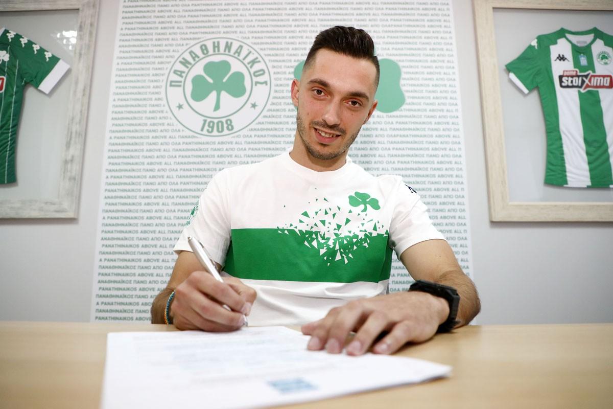 Στα «πράσινα» κι επίσημα ο Γιάννης Κώτσιρας για τα επόμενα τρία χρόνια, καθώς την Παρασκευή (18/6) η ΠΑΕ Παναθηναϊκός ανακοίνωσε την απόκτησή του.