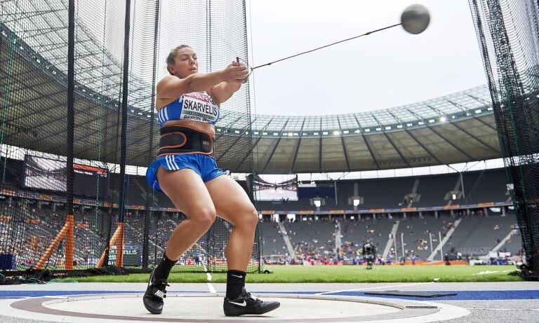 Η Σταματία Σκαρβέλη ήταν η νικήτρια στη σφυροβολία με βολή στα 69,83μ. δείχνοντας να βρίσκει το ρυθμό της στο Πανελλήνιο Πρωτάθλημα.